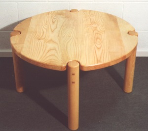Circular Coffee table made from Pembrokeshire Ash - �5